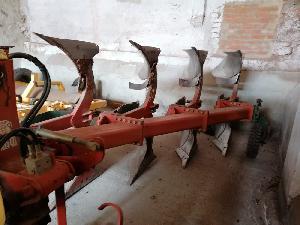 Venda de Arado de aiveca e grade Kverneland arado usados