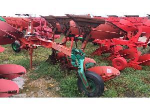 Venda de Arados de arrastar Kverneland arado de 3 cuerpos usados