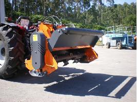 Desbrozadoras trituradoras suelo con portón  Makinor