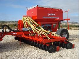 Nuevas Sembradoras neumáticas de siembra directa con discos para cereales Larrosa