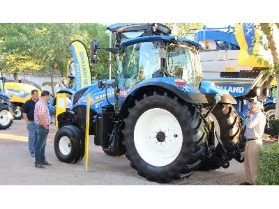NEW HOLLAND EN FERCAM 2018 - 1