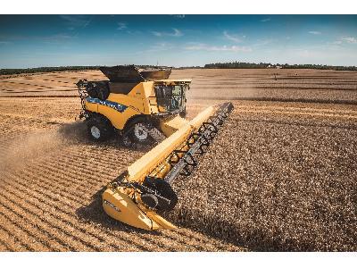 New Holland amplía la serie de cosechadoras CR Revelation y lleva  la automatización a un nuevo nivel - 0